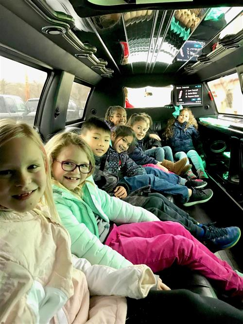 Thayer Elementary students go for limo ride 2