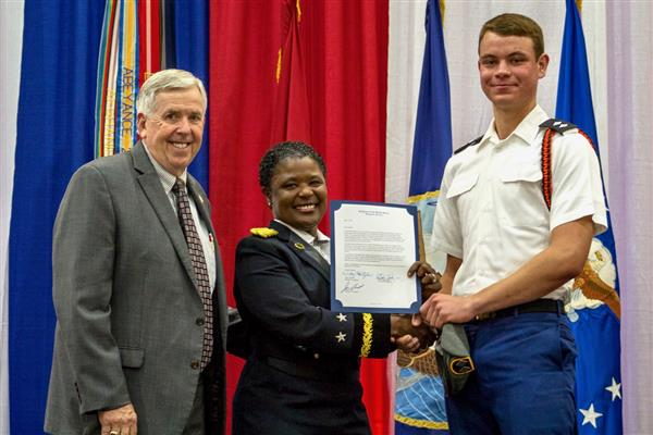 Governor and Commanding General Recognize students who will serve the nation