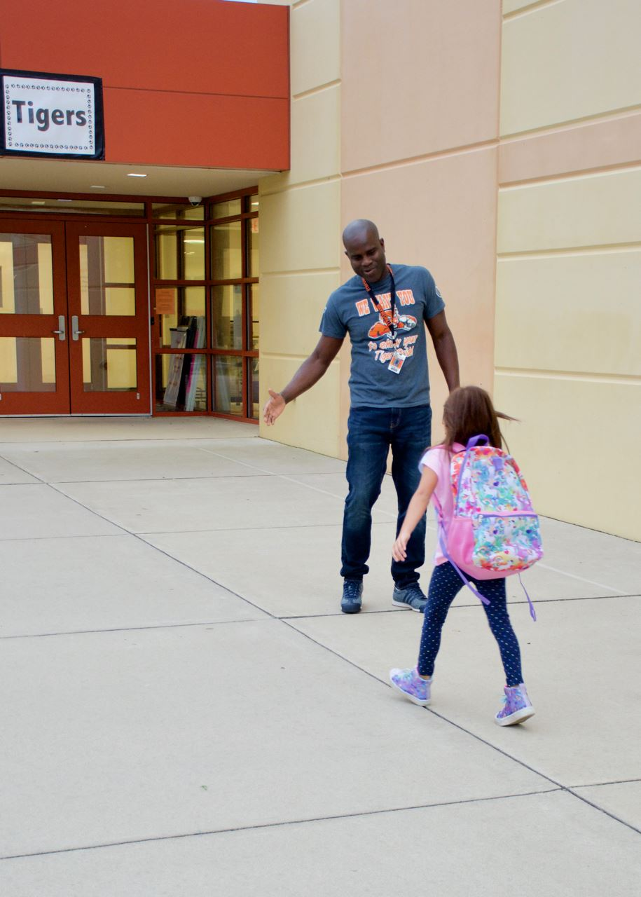 East Elementary students welcomed to school