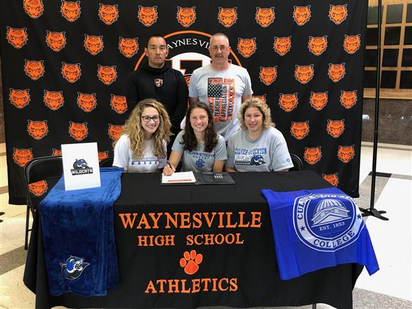 Dwyer signs to play soccer
