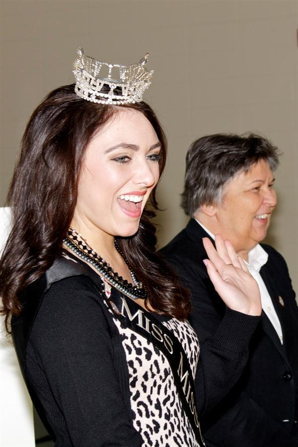 Miss Missouri teaches character words to Freedom students