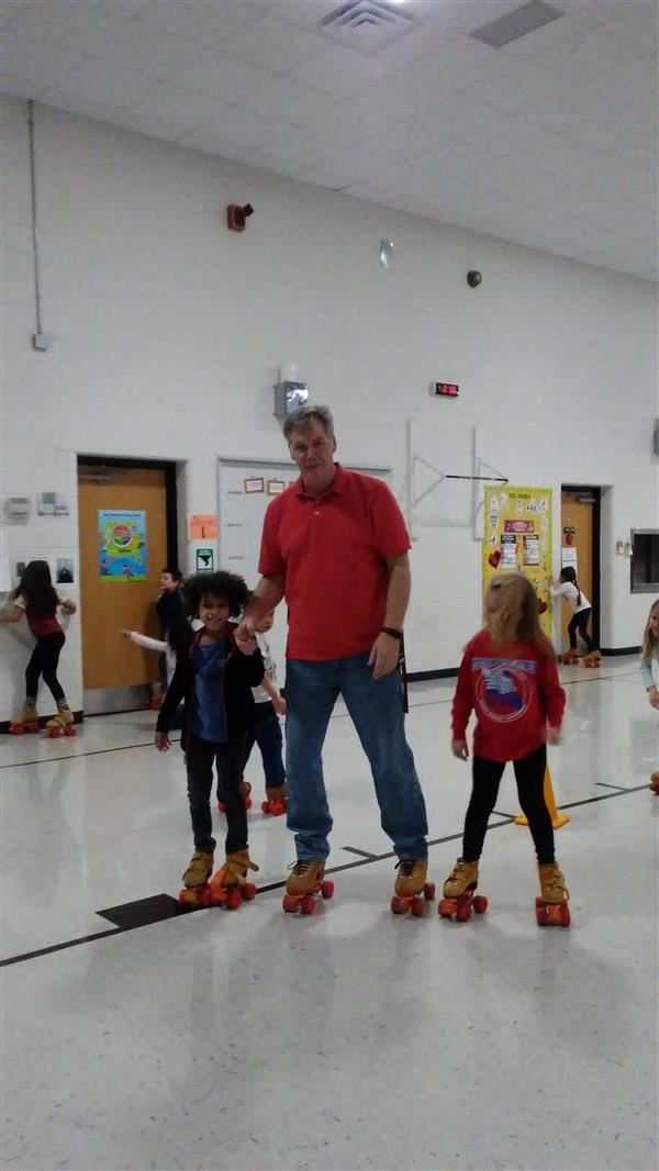 Wood students skate through PE class