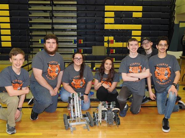 WHS VEX Robotics Team competes in STL