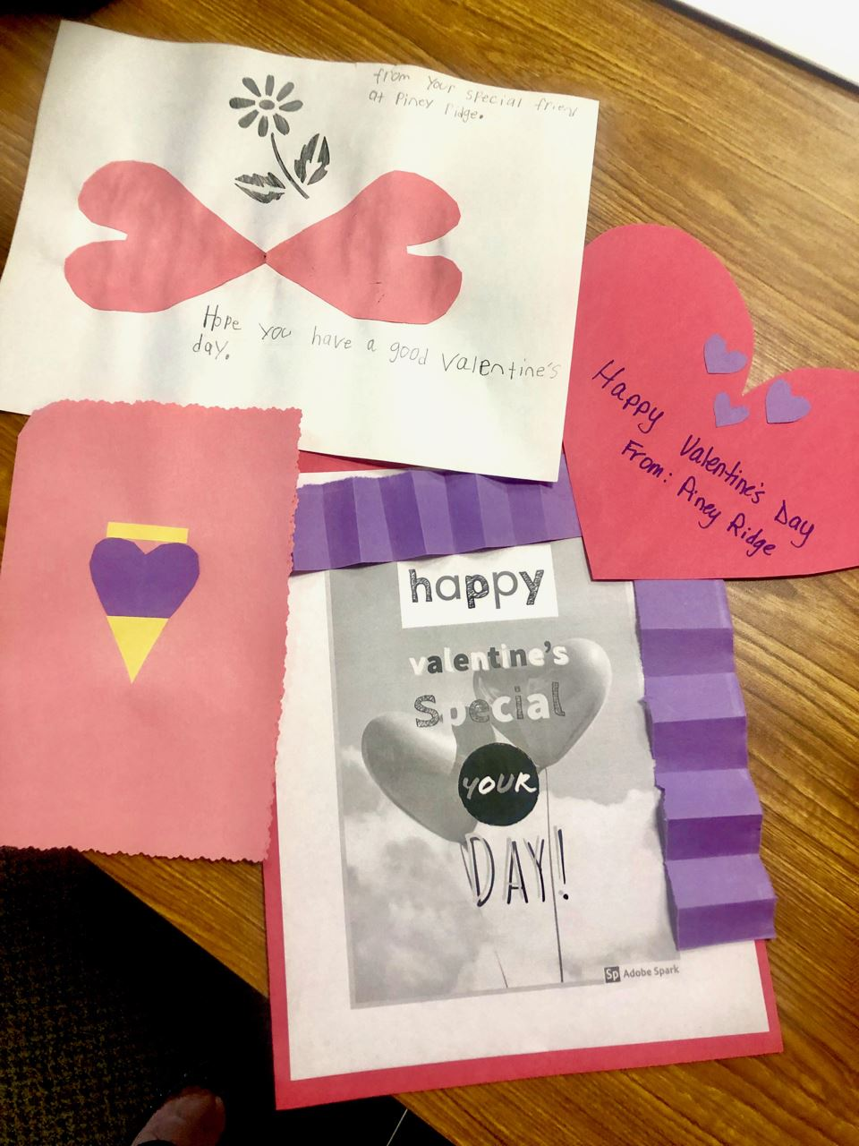 Piney Ridge students make valentines for Life Care residents