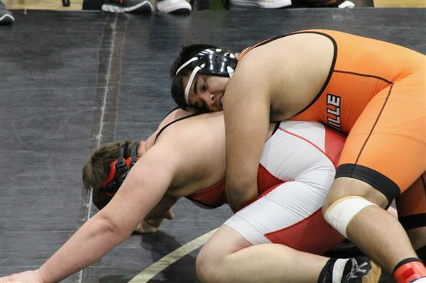 7 WHS wrestlers headed to state