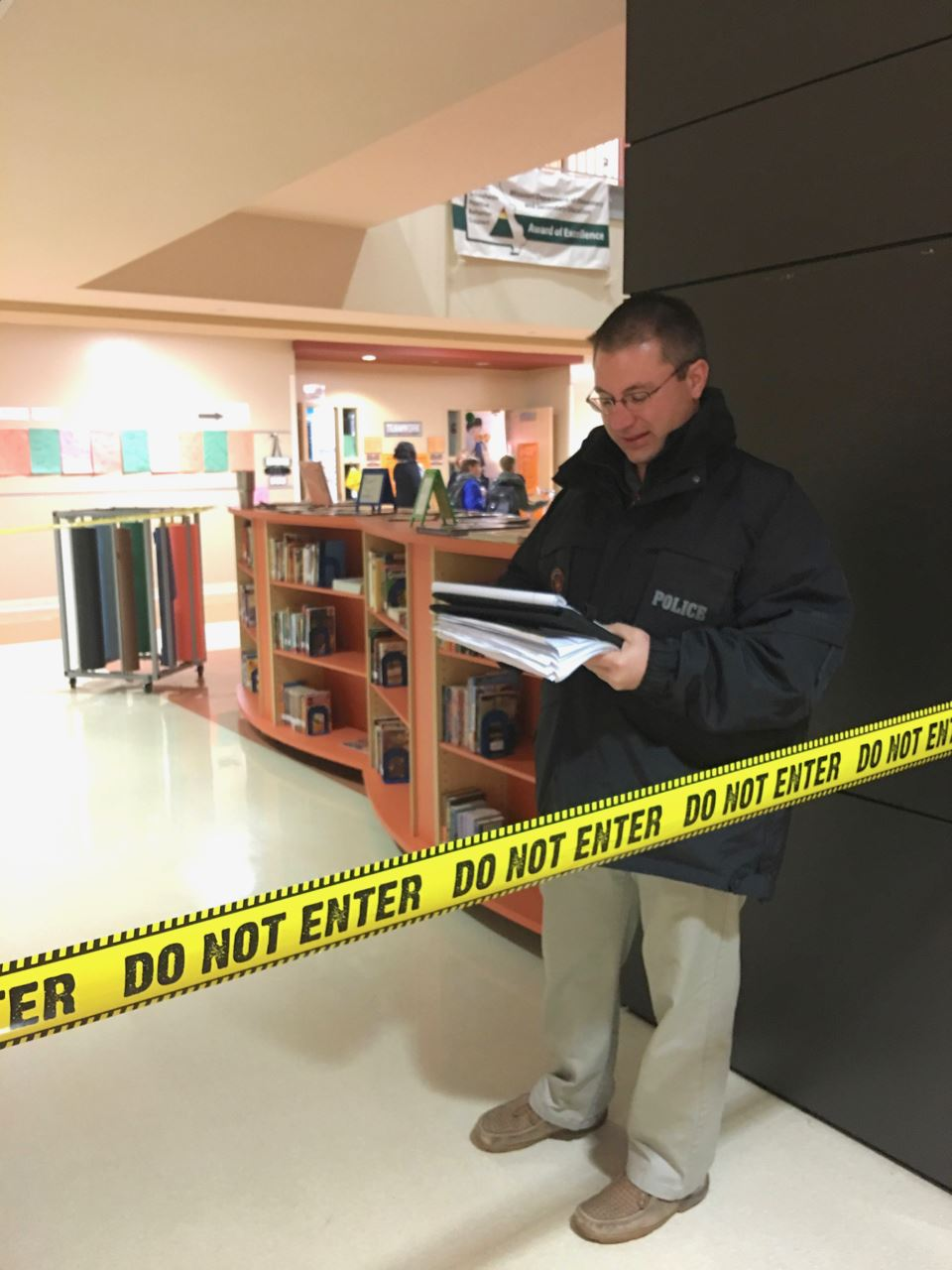 "6th graders become ""detectives"" to solve staged 'fishy crime'"
