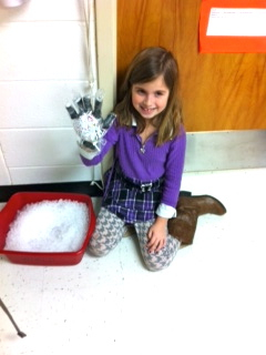 Students design mittens to protect from cold and wet