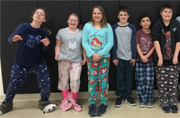 6th graders celebrate their attendance success